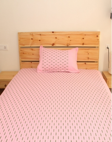 Beads Printed Pink Cotton Bed Sheet