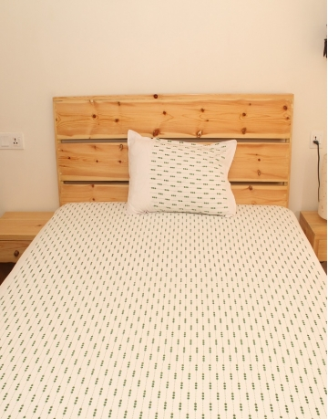 Beads Printed White Cotton Bed Sheet