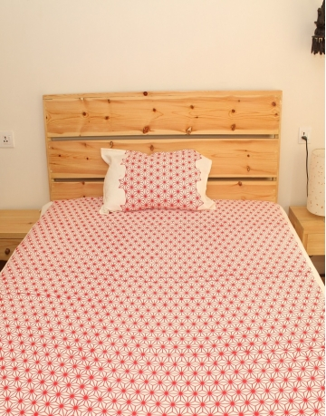 Red Crystal Printed White Bed Sheet