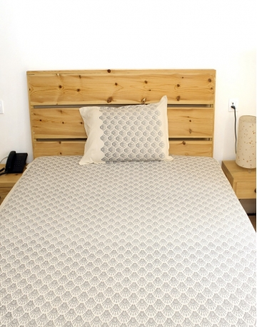 Shell Printed White Cotton Bed Sheet